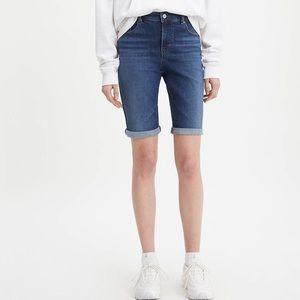 Levi's Bermuda shorts NWT